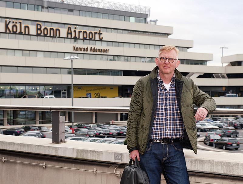 Peter Rothe Am Flughafen KölnBonn
