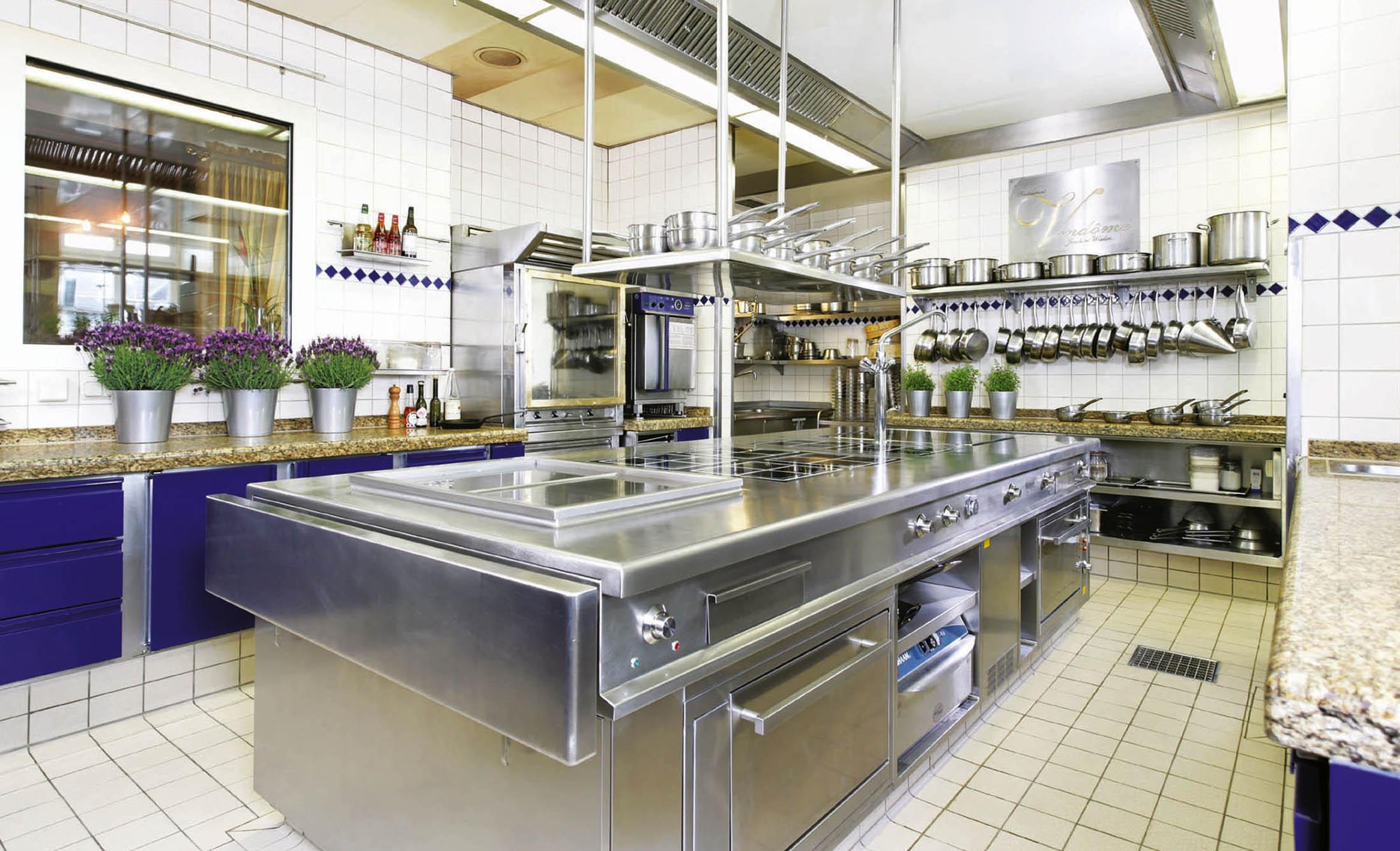 Die Küche im Restaurant Vendôme in Schloss Bensberg