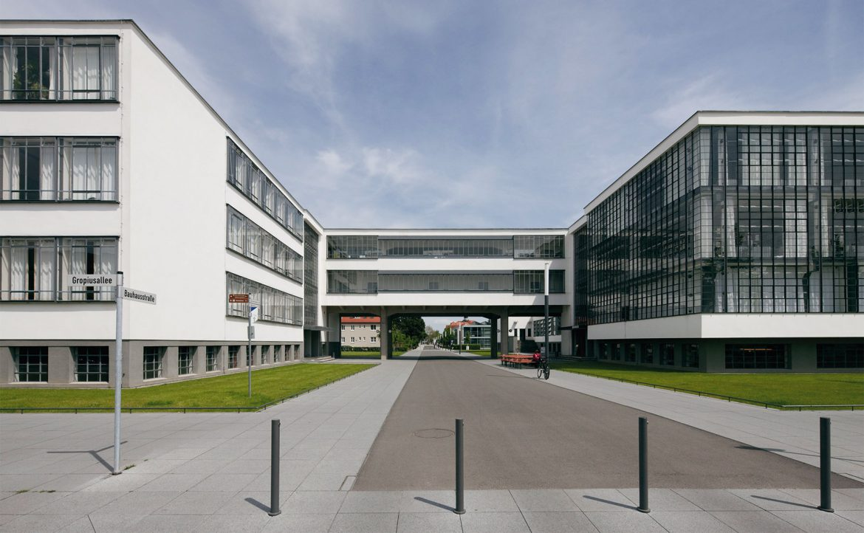 Was ist dran an dem Mythos Bauhaus? – Architekt Prof. Stahl klärt ...