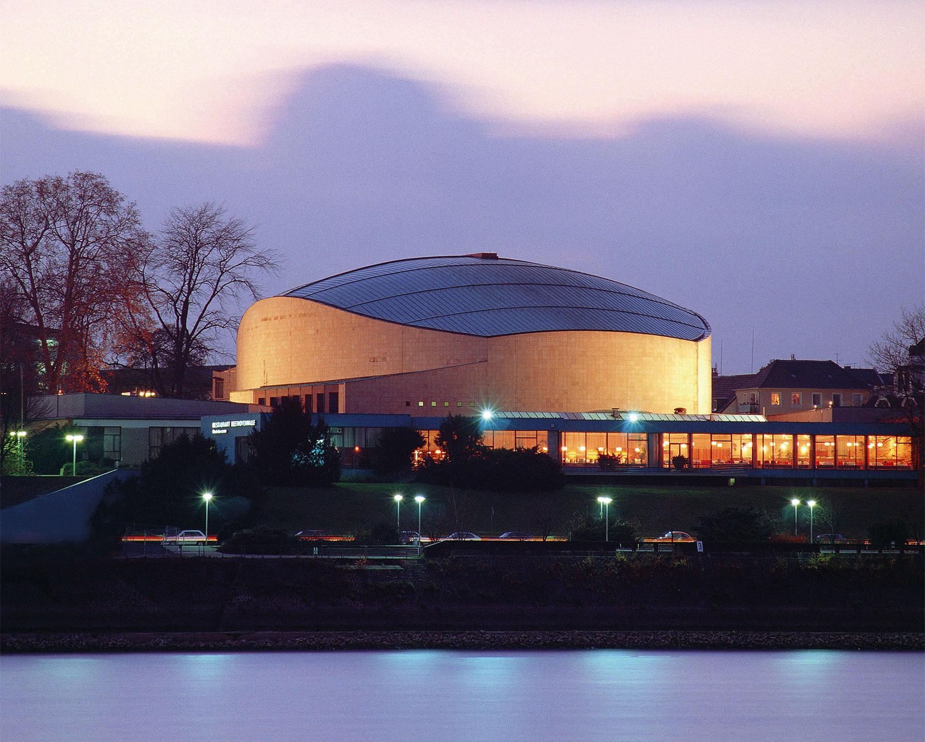 bauhaus, Beethovenhalle in Bonn
