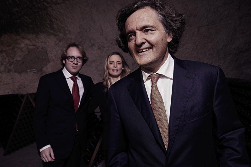 Die Familie: Pierre-Emmanuel Taittinger mit seinen Kindern Clovis und Vitalie