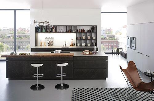 """Zeitlose Ästhetik und modernes Design prägen den Stil dieser LEICHT Küche. Überzeugend umgesetzt in der erfolgreichen Betonfront """"Concrete"""". Material, Farbspiel und Oberflächenstruktur sprechen die Sprache moderner Architektur."""