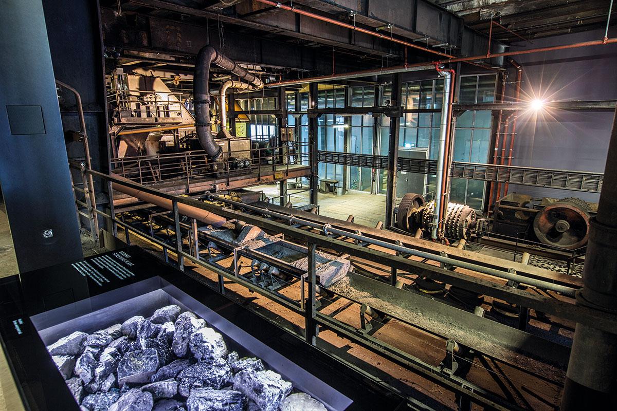 Jedes Jahr nehmen bis zu 155.000 Besucher an einer Führung durch den Denkmalpfad Zollverein teil.