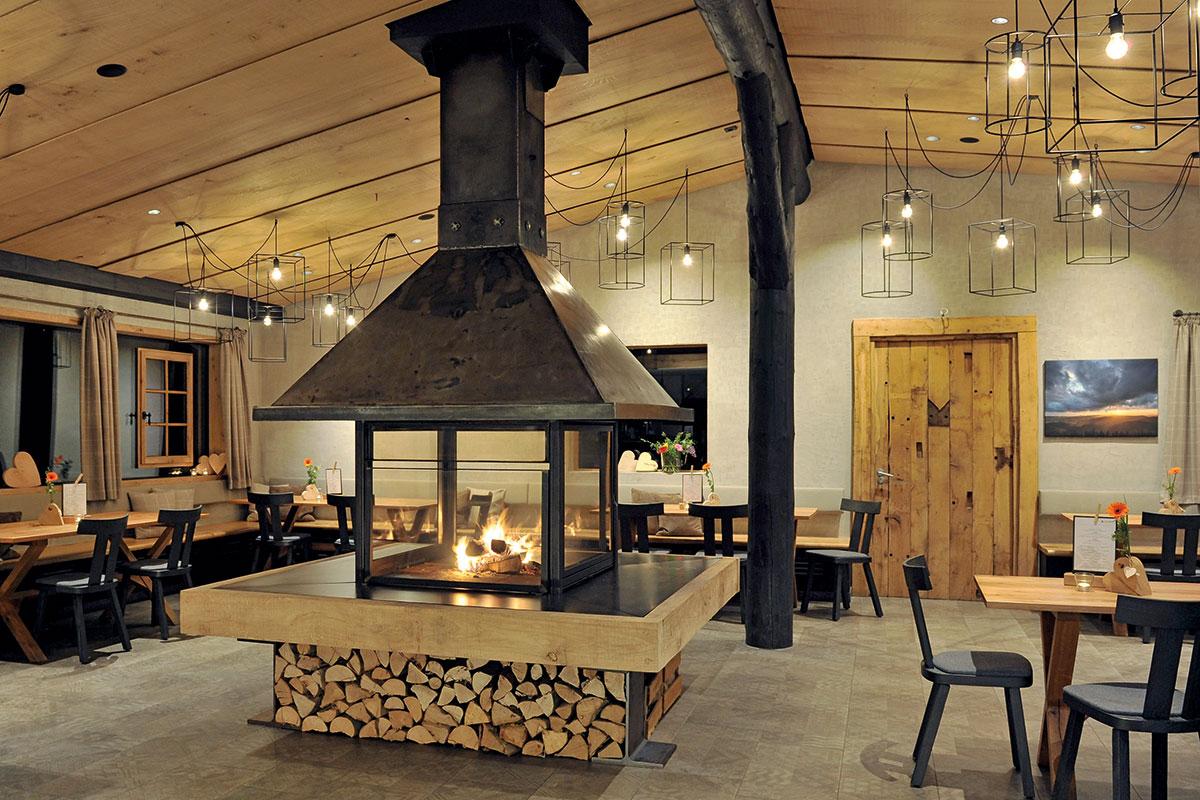 Chalets, Restaurant im Hüttendorf Liebesgrün