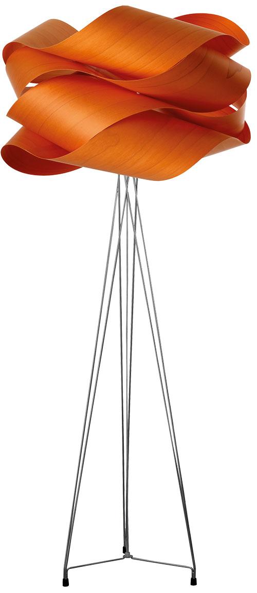 Stehleuchte. Link gibt es in unterschiedlichen Farben – von Elfenbeinweiß über Türkis bis Schokoladenbraun. ab 1.142 Euro.