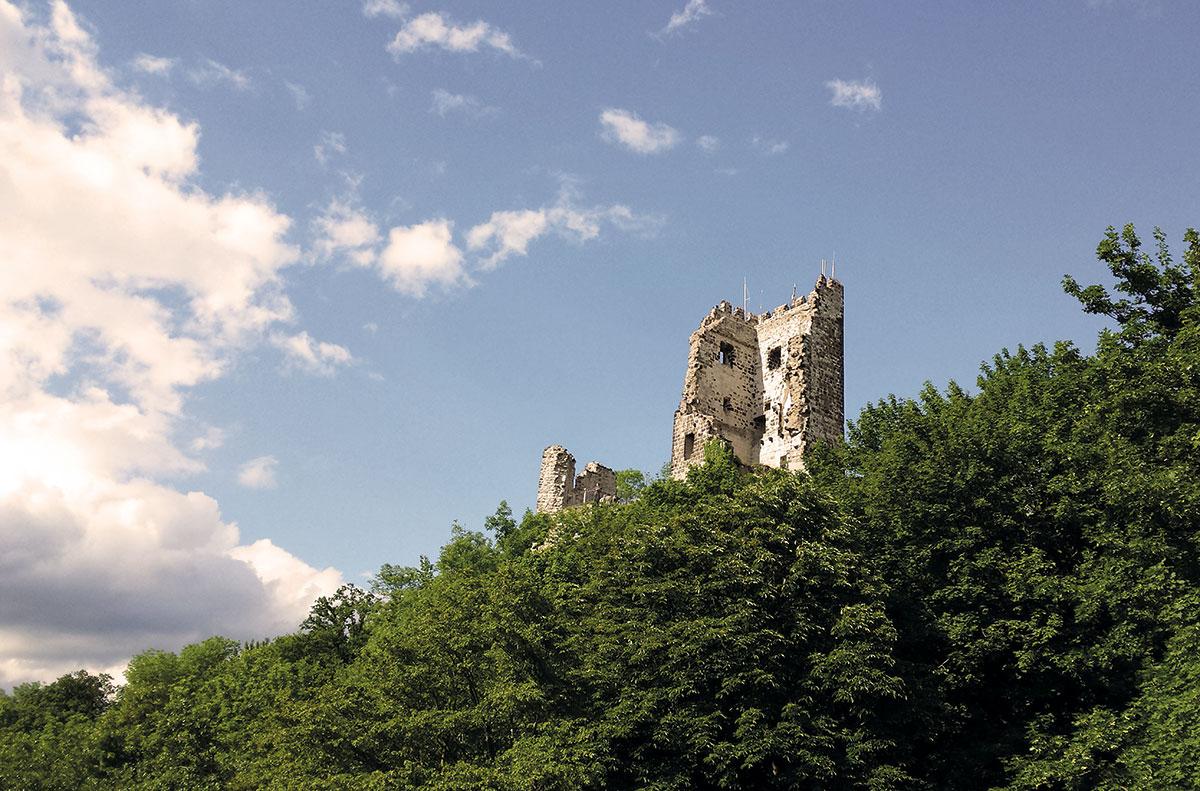 Drachenfels_Bergfried