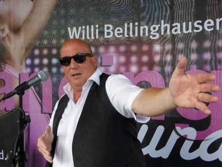 Willi_Bellinghausen_on_stage