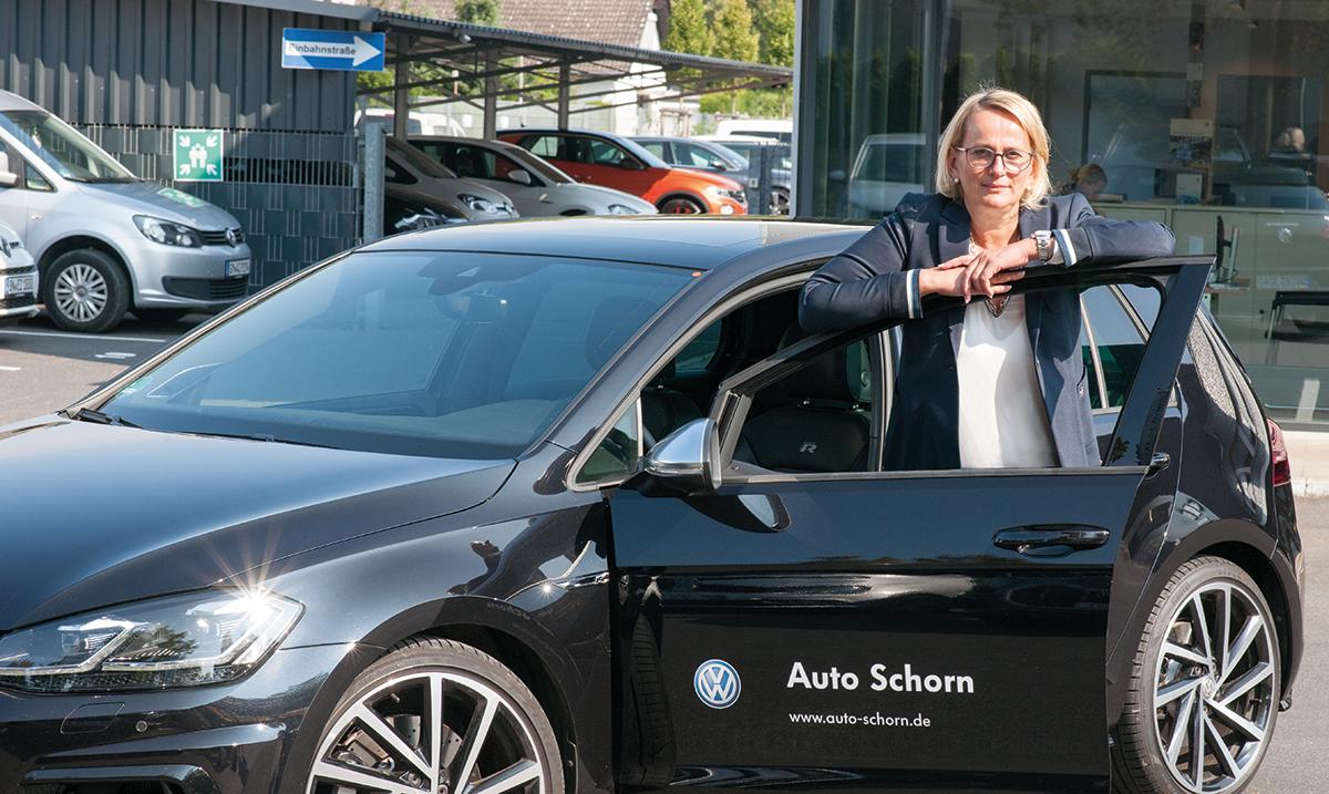 Monika_Luetz-Boehmers, Auto Schorn