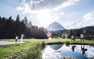 Golfen an einem der schönsten Golfplätze weltweit mit Blick auf die Hohe Munde