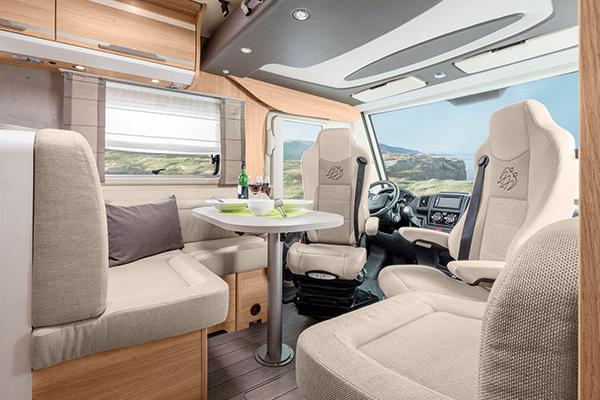Wohnmobil Kanuss Tabbert SKY 1 Sitzecke