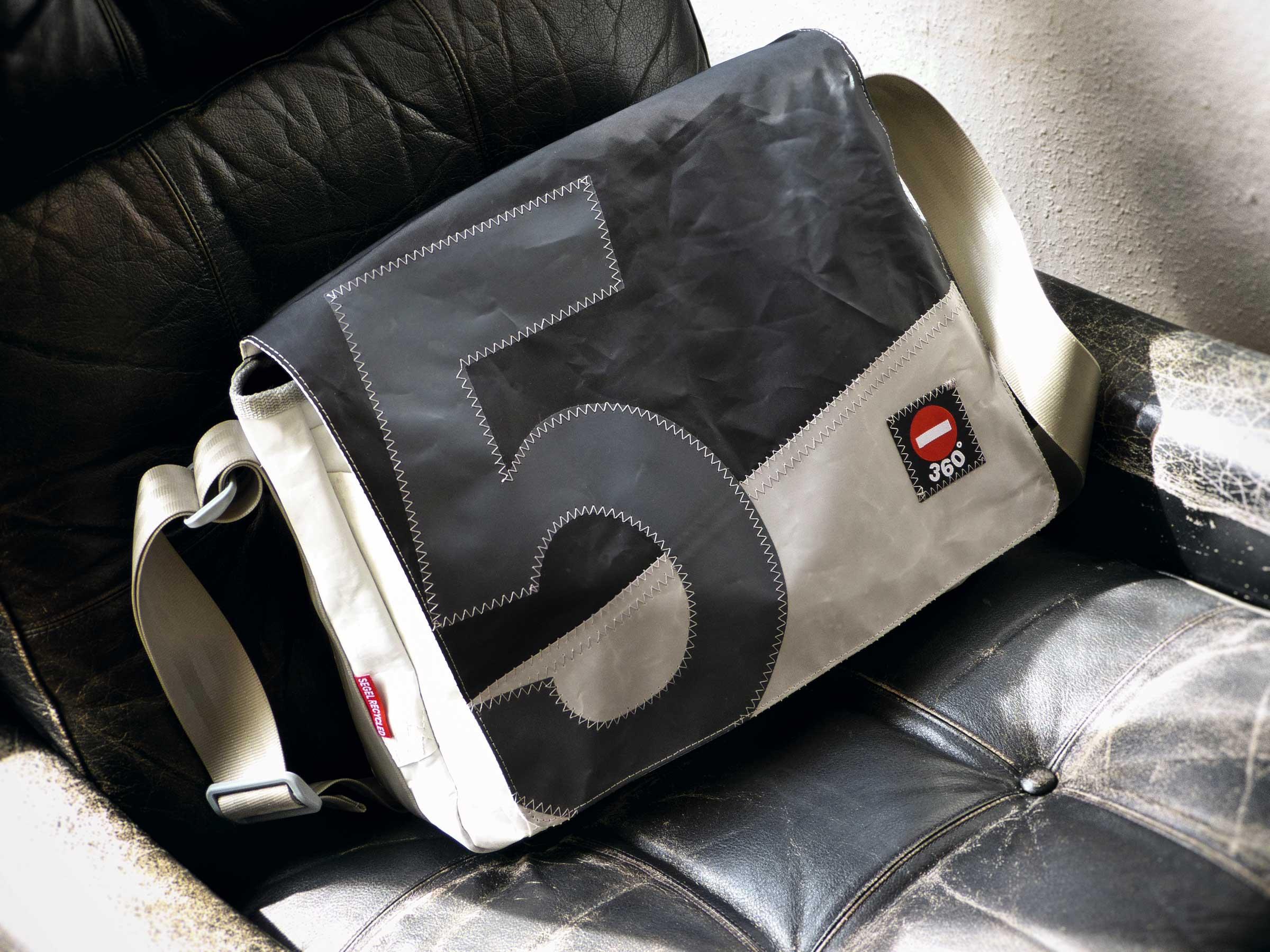 BARKASSE Herren, die Wert auf guten Stil legen, sind mit der Businesstasche aus Segeltuch auf der sicheren Seite. Ab 169,90 Euro