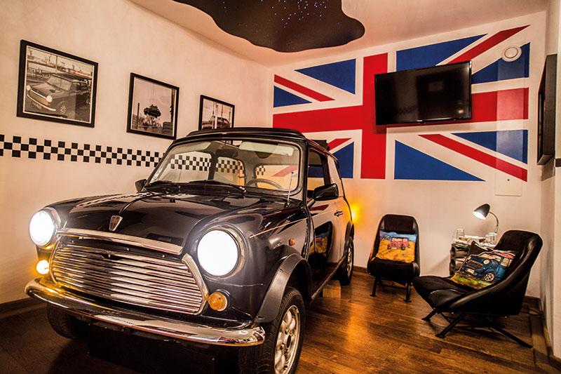 kuriose Hotels Beverland_Mini-Cooper