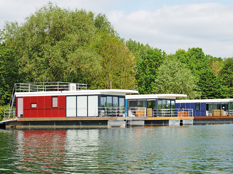 Kuriose Hotels, Floating 44 Hotel