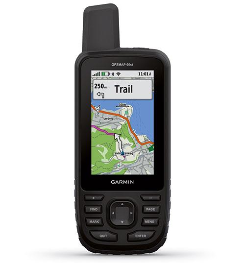 Garmin GPSMAP 66-Serie Expeditionisten, Bergsportler, Mountainbiker oder Geocacher – die neue Generation der GPSMAP-Serie überzeugt jeden, der einen zuverlässigen und ausdauernden Navigationspartner an seiner Seite benötigt. Das GPS-Navigationsgerät hat eine Batterielaufzeit von bis zu einer Woche im Expeditionsmodus und beinhaltet zusätzlich eine vorinstallierte TopoActive-Karte für die Navigation in ganz Europa. Ab 399,99 Euro, buy.garmin.com